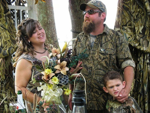 Hunting theme weddings